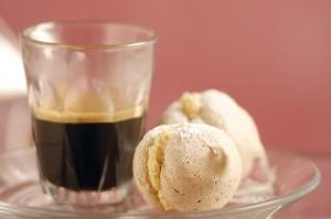 coffee meringue with rose cream